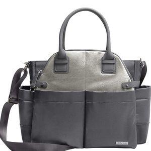 🎉HP🎉 NWOT SKIP HOP Gray Chelsea Chic Diaper Bag